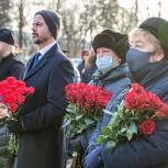 Единороссы почтили память защитников Звенигорода в годы Великой Отечественной войны