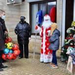 Дмитрий Пирог в Геленджике подарил новогодние подарки детям