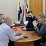 Главы Заполярного района и Юшарского сельсовета обсудили проблемы Каратайки