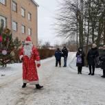 Чучковские единороссы участвуют в новогодних акциях