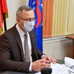 В день основания «Единой России» губернатор Калужской области, секретарь регионального отделения партии Владислав Шапша провел прием граждан
