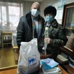 Депутат Островский присоединился к акции «С Новым годом, ветеран!»