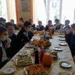 Заур Аскендеров организовал новогодний праздник для детей-сирот из Буйнакского района Дагестана