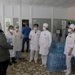 Подмосковная «Единая Россия» привезла в Луховицкую центральную больницу более 1500 литров воды