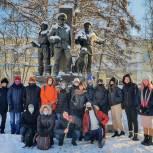 Мурманские студенты-волонтеры приняли участие в акции «Защитим память героев»
