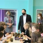Сергей Мужальских проверил организацию горячего питания в ступинской школе