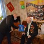 Волонтеры поздравили со 100-летним юбилеем участника Великой Отечественной войны