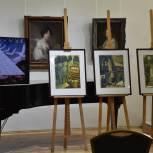 Брянские художники передали в дар городу-герою Волгограду свои произведения