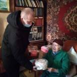 Андрей Корнеев поздравил с Днем защитника Отечества ветеранов Энгельсского района
