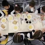 Андрей Чибис поручил скорректировать возросшую в четыре раза стоимость питания в школах Мурманской области