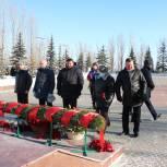 Депутаты областной Думы присоединились к акции «Защитим память Героев»