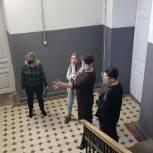 В Саратове обсудили возможность проведения выставок молодых художников