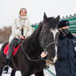 Кемеровские школьники познакомились с работой полицейских кинологов