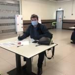 В Щелкове депутат-единоросс сделал прививку в мобильном пункте вакцинации