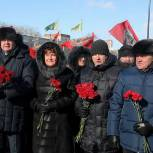 Парламентарии приняли участие в церемонии, посвященной Дню защитника Отечества