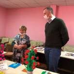 Александр Козловский посетил уникальный дом культуры в Велье