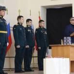 Владимир Вшивцев поздравил военнослужащих с Днем защитника Отечества