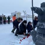 Секретари отделений «Единой России» в регионах приняли участие в акции «Защитим память героев»
