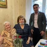 Депутаты-единороссы Кировского района Махачкалы поздравили ветерана ВОВ с Днем защитника Отечества