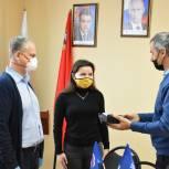 Владимир Гольберт передал волонтерам Зарайска средства индивидуальной защиты