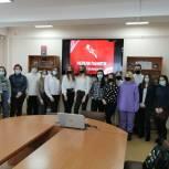 Депутаты-единороссы рассказали старшеклассникам о жертвах Холокоста