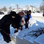 Активисты местных отделений партии поддержали акцию «Защитим память героев»