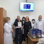 Елена Кашкарова поздравила тюменских медработников с Днем защитника отечества