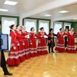 Виктор Казарин посетил детскую школу искусств № 2 в Губкинском