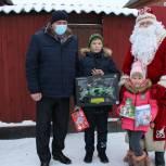 Единороссы исполнили новогодние мечты юных жителей Шацкого и Михайловского районов