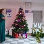 Пителинские единороссы поздравили врачей районной больницы с Новым годом