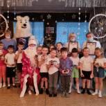 Единороссы поздравили с Днем рождения воспитанников социально-реабилитационного центра