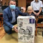 Детям из Лебедянского Центра помощи подарили велосипед, самокат и другие игрушки