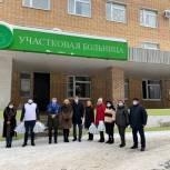 В Лосино-Петровском Вячеслав Фомичев и Иван Курданин передали врачам продуктовые наборы