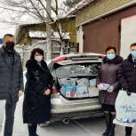 В Красногорске волонтеры подарили средства защиты и чайники врачам