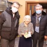 Депутаты–единороссы поздравили ветерана Великой Отечественной войны с новогодними праздниками