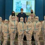 Рязанские молодогвардейцы помогают в «красной зоне» областной клинической больницы