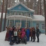 Эстафеты, чаепитие и бумажная дискотека: более двадцати ребятишек посетили сказочный терем Деда Мороза