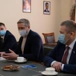 Ненецкой школе-интернату передали сертификат на покупку техники для воспитанников