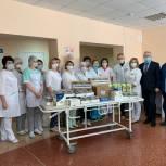 Медикам Клинической больницы №4 передали продуктовые наборы