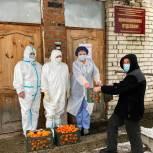 В «красную зону» касимовской больницы привезли фрукты