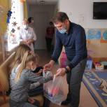 Рождественские подарки получили дети, находящиеся на стационарном лечении в горбольнице № 1