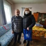 Депутат поздравила ветеранов с Новым годом