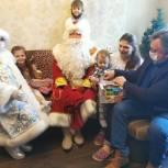Олег Жолобов посетил многодетную семью в Домодедово
