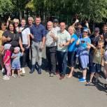Активисты организовали субботник на территории парка «Школьный»
