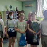 В Щелкове единороссы поздравили работников почты с профессиональным праздником