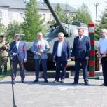 В тюменском сквере Пограничников открыли памятник борцам за Победу