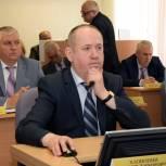 Законотворчество, взаимодействие с органами местного самоуправления, избирателями, исполнение программы наказов – основные направления работы Владимира Хлопонина