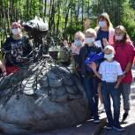 Для детей врачей Кольского района провели познавательную экскурсию в областном центре