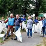 Томские активисты очистили берег озера Керепеть