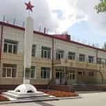 Владимир Резников проверил ход ремонта 18-ой гимназии